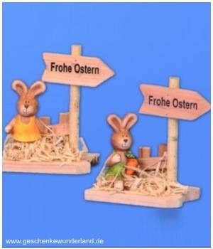 Osterhase mit Holzschild